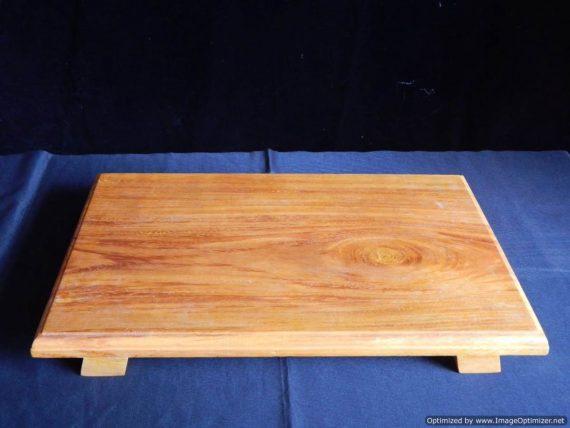 Mane (Wood Base) Sitting